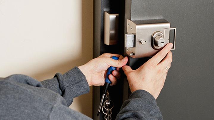 hire a locksmith